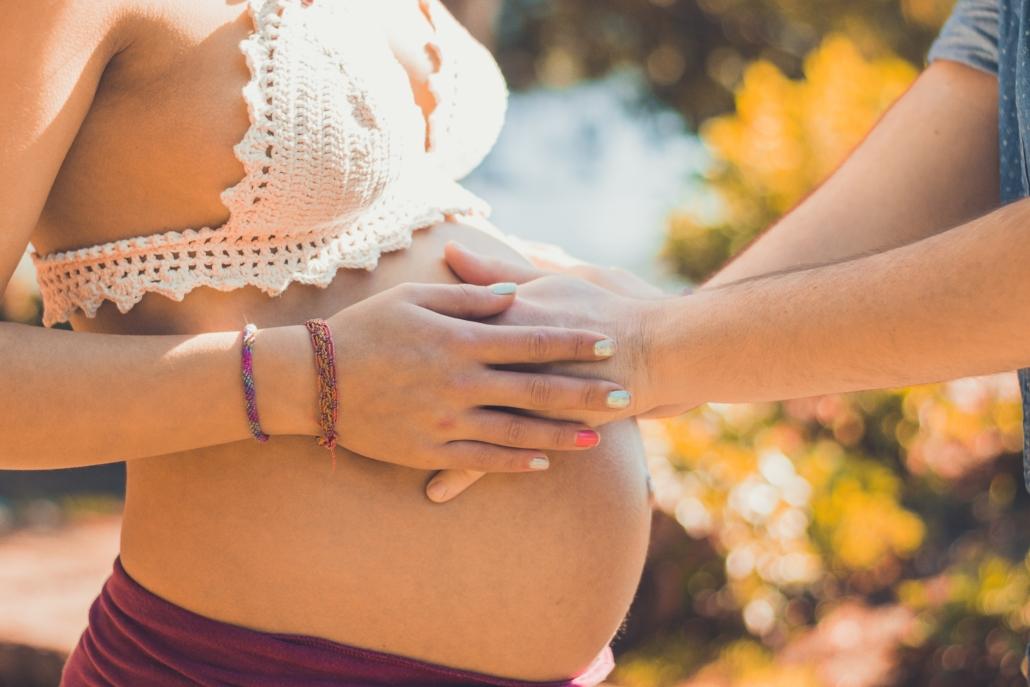 Ventre rond, femme enceinte